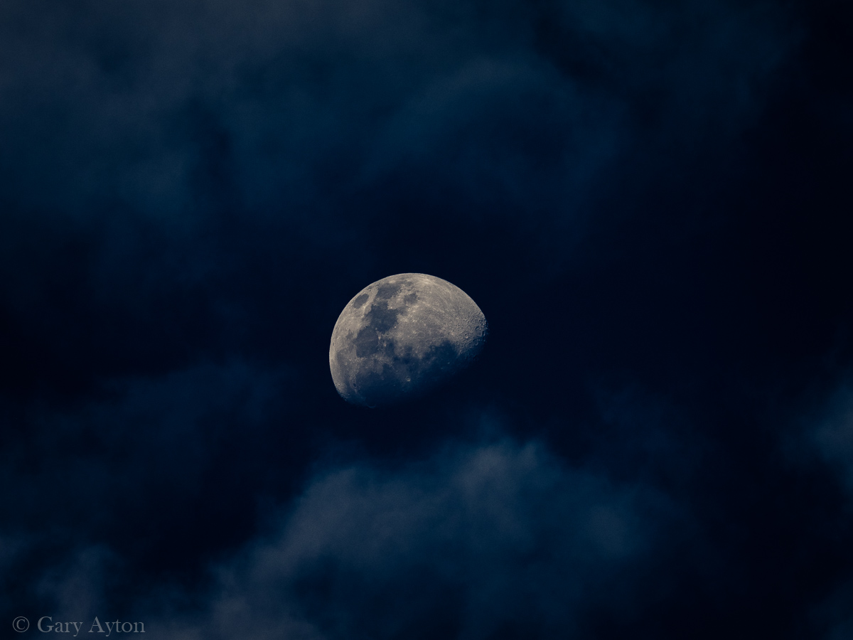 300mm eq focal length moon