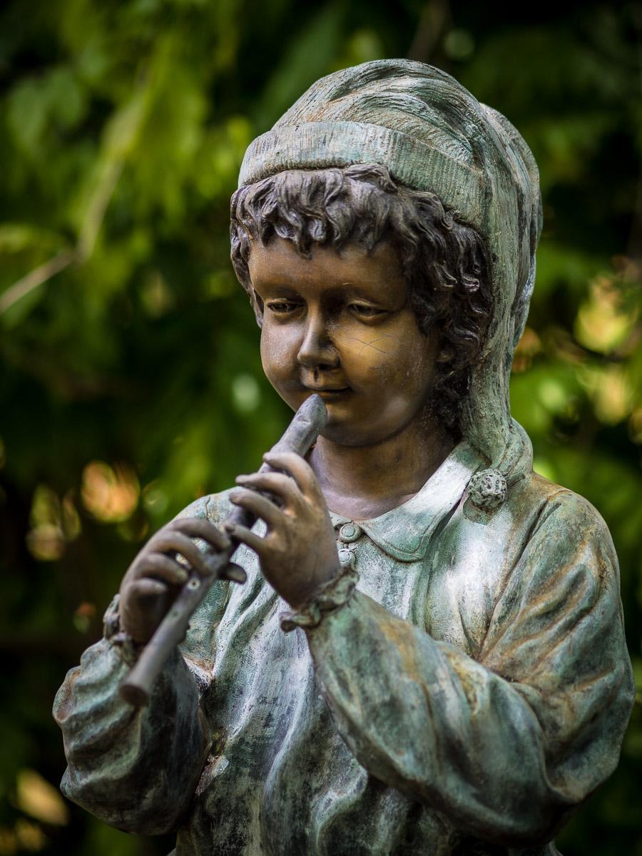 child flautist